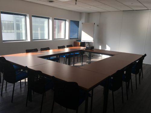 salle 15 personnes